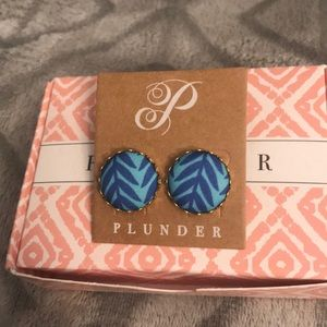 Beautiful Plunder earrings